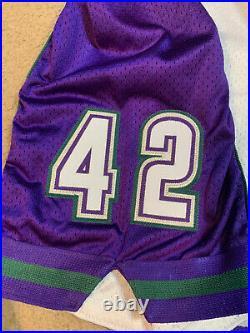 Authentic Milwaukee Bucks Shorts 42 Starter Game Issued Vin Baker 1997 Jersey