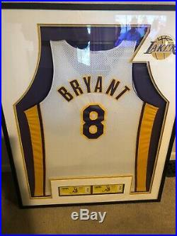 KOBE BRYANT SIGNED #8 AUTO Game Issued Jersey With $1100 Custom Box