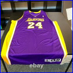 Kobe Bryant Signed 2010-11 Los Angeles Lakers Game Issued #24 Jersey Beckett COA