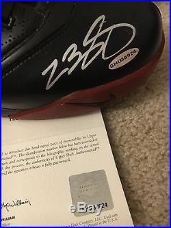 LeBron James Signed Auto UDA NIKE LeBron Zoom V -5- GAME ISSUED Sneakers