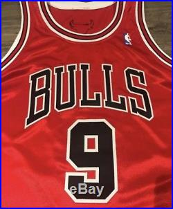 Luol Deng Game Issued Autographed Bulls Jersey Game Worn