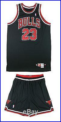 hot sales 8d68a 4af96 Michael Jordan 1998 Signed Game Issued Chicago Bulls Jersey ...