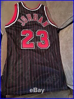 Michael Jordan 95-96 Chicago Bulls Game Issued Jersey Sz 46+3
