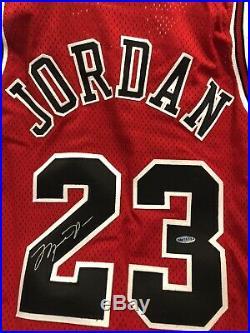 Rare Michael Jordan Upper Deck Signed GOLD LOGO Game Issued Pro Cut Jersey 96-97