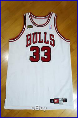 UD Scottie Pippen signed 98 Bulls NBA Finals Game Issued Home Jersey Upper Deck
