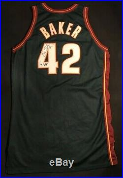 Vin Baker 1998-99 Seattle Sonics Game Used Issued ProCut Champion Jersey Auto
